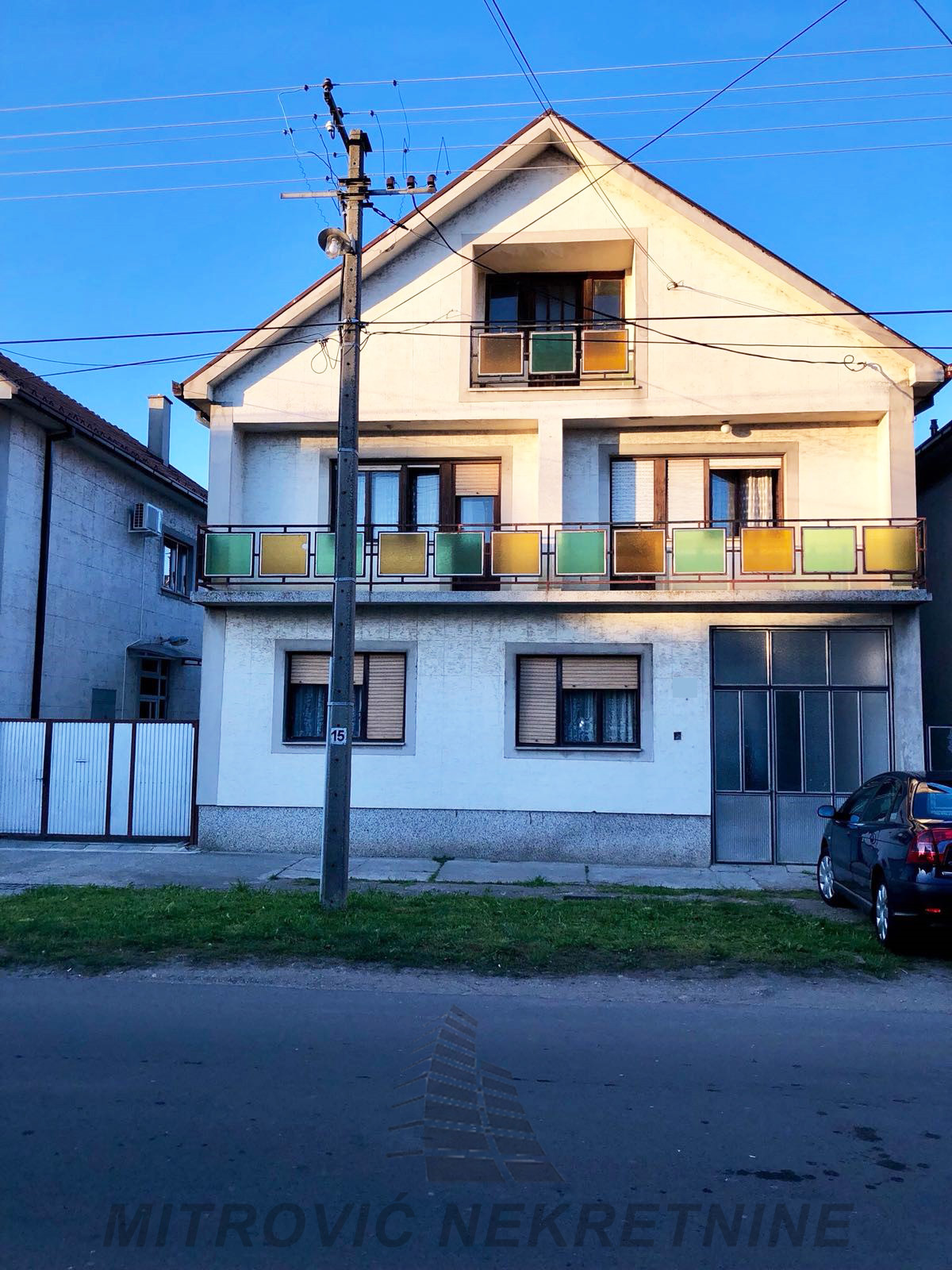 Dve kuće u Novoj Pazovi, površine 240m2 i 100m2