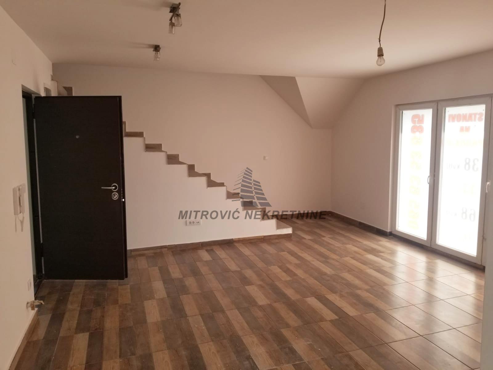 Dvoiposoban stan u Batajnici, 76m2 – dupleks