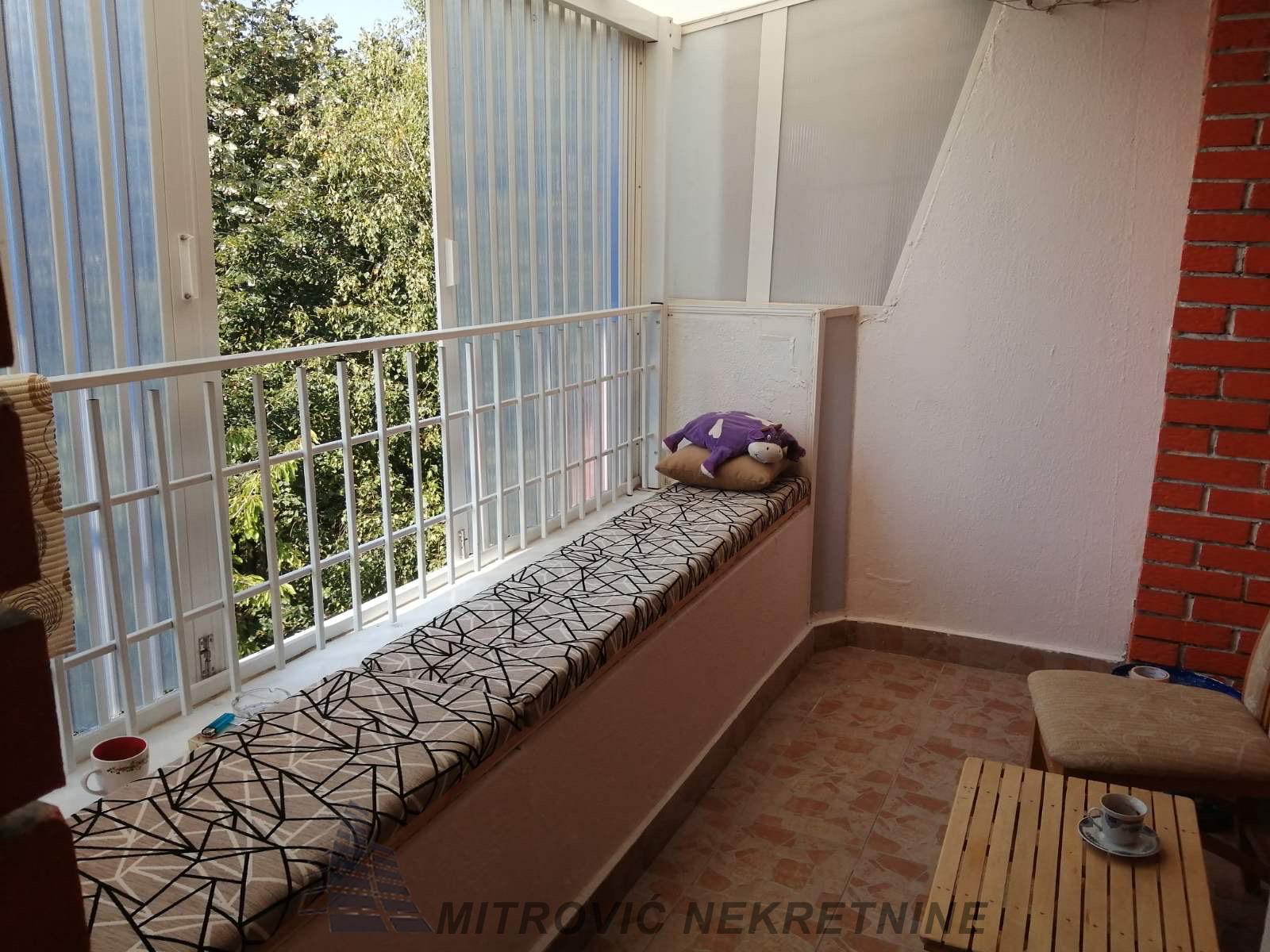 Dvosoban stan u Batajnici, površine 55m2