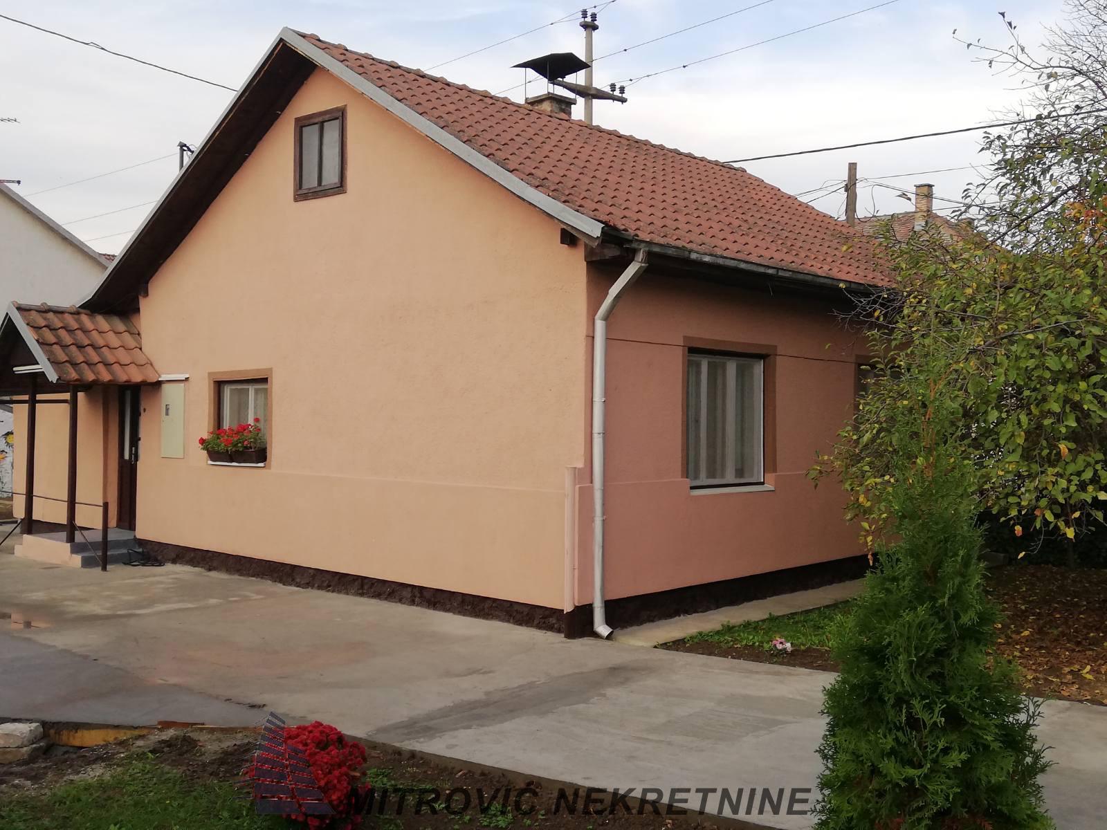Kuća u Batajnici, u blizini železničke stanice
