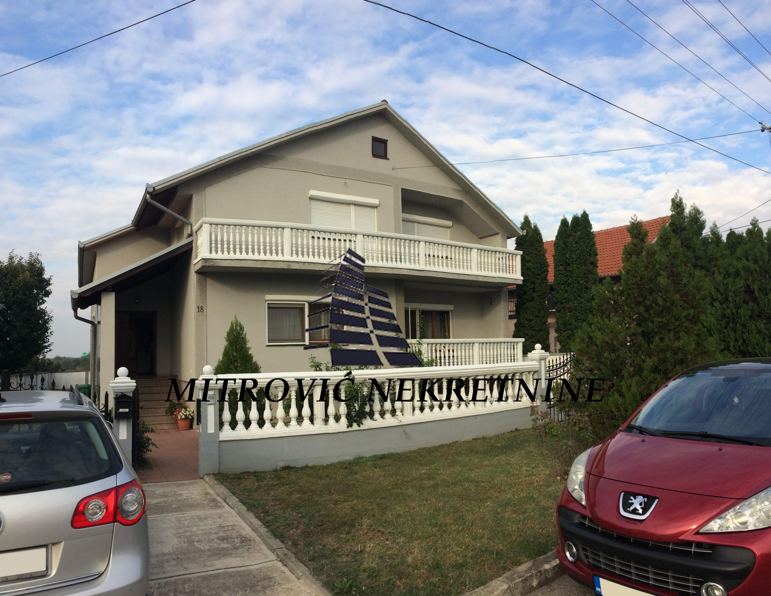 Kuća Novi Banovci, korisne površine 272m2