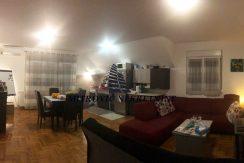 Dvoiposoban stan Batajnica